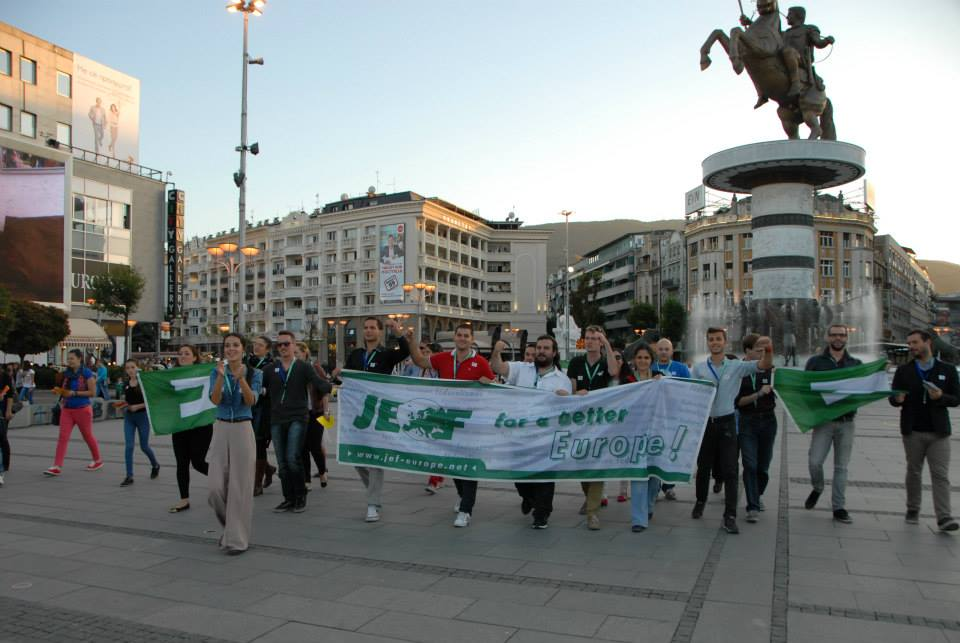 Young European Federalists in action against the visa-regime (Skopje, Macedonia)